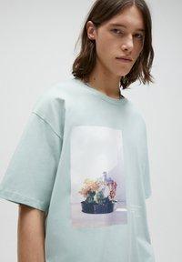 PULL&BEAR - Print T-shirt - grey - 3