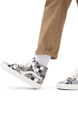 Zapatillas altas - patchwork flrl mltmshmlw