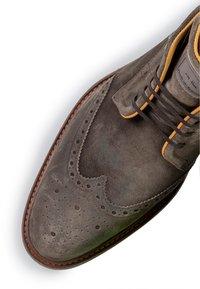 Floris van Bommel - Lace-up ankle boots - taupe - 5