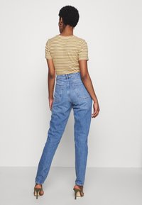 Topshop Tall - MOM CLEAN - Relaxed fit jeans - blue denim - 2