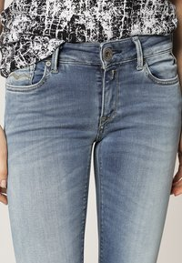 Replay - HYPERFLEX LUZ - Jeans Skinny Fit - blue - 5