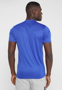 adidas Performance - AEROREADY PRIMEGREEN JERSEY SHORT SLEEVE - T-shirt z nadrukiem - blue/white - 2