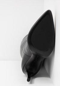 Lola Cruz - High heeled boots - black - 6