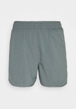 TEMPO LUXE SHORT  - Short de sport - smoke grey/silver