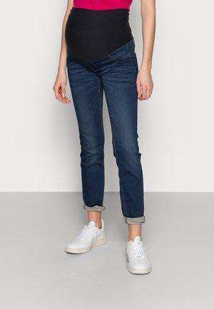 MOM DOLLY - Slim fit jeans - denim
