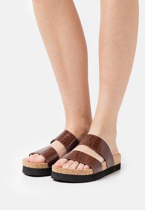 Slippers - brown/medium dusty
