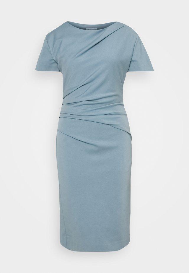 IZLO - Pouzdrové šaty - faded blue
