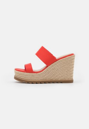 AGRAERITH - Pantofle na podpatku - orange