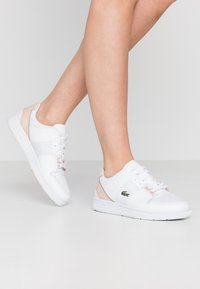 Lacoste - THRILL 220  - Trainers - white/nature - 0