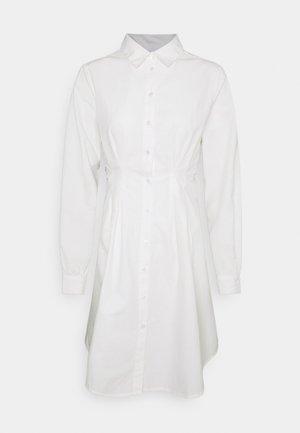 PCELLON SHIRT DRESS  - Shirt dress - cloud dancer