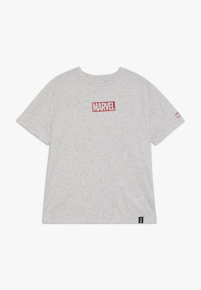 ZGREEN BOYS LICENSE SHORT SLEEVE TEE - T-shirt z nadrukiem - grey marle