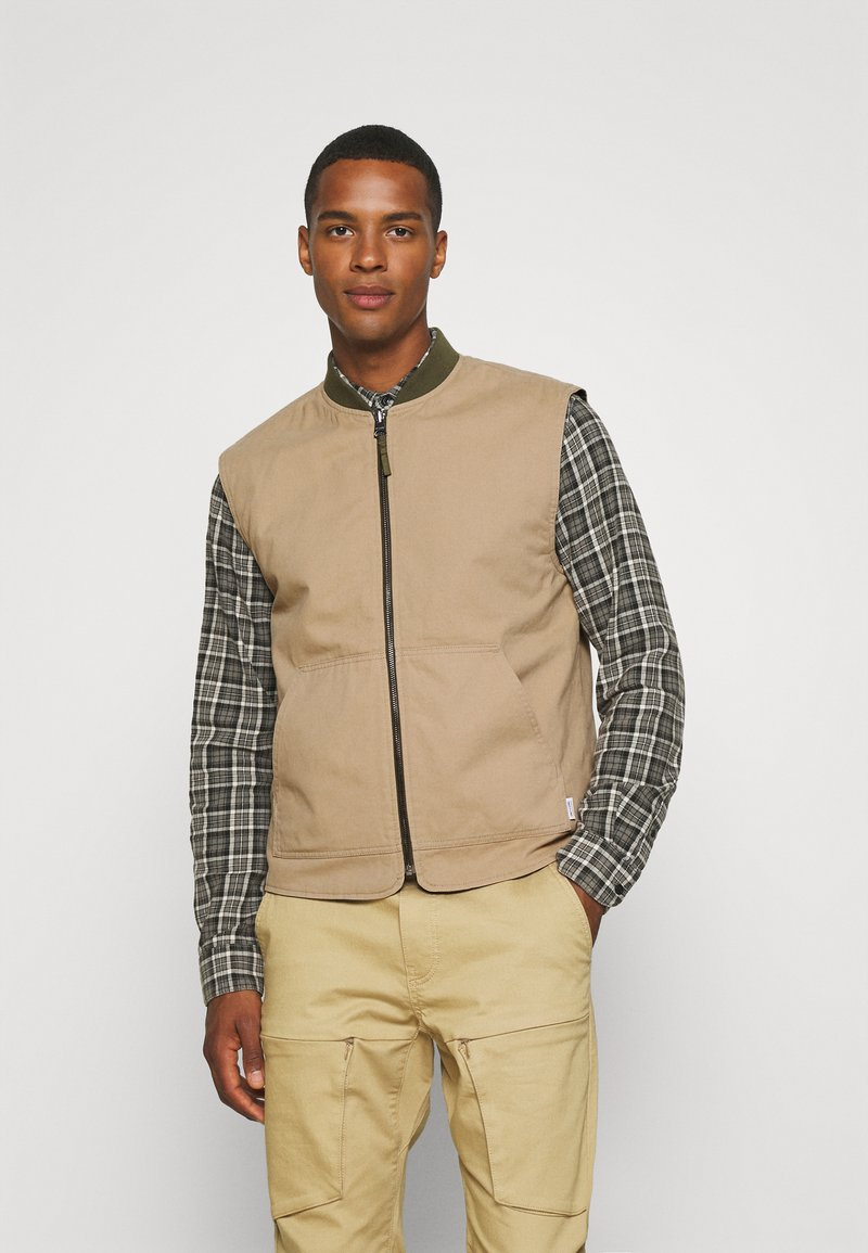 Only & Sons - ONSMAGNES LIFE REVERSIBLE VEST  - Waistcoat - chinchilla