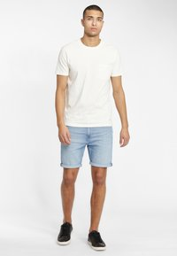 Lee - RIDER - Szorty jeansowe - light blue - 1