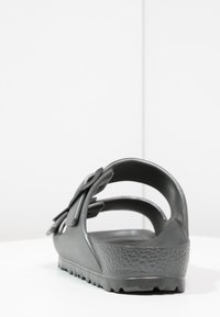 Birkenstock - ARIZONA  - Sandály do bazénu - metallic anthracite - 4