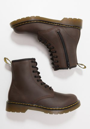 1460 Serena Y Republic Wp - Veterboots - dark brown