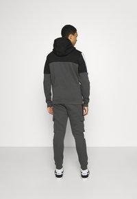 Kings Will Dream - FARNELL ZIP THROUGH HOOD - Zip-up sweatshirt - asphalt/jet black - 2