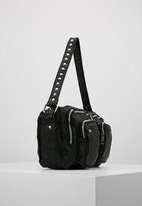 Núnoo - ALIMAKKA WASHED - Håndveske - black - 3
