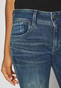 G-Star - LYNN MID SKINNY RIPPED ANKLE  - Jeans Skinny Fit - antic faded baum blue - 5