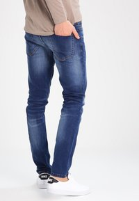 Only & Sons - ONSWEFT - Jean droit - medium blue denim