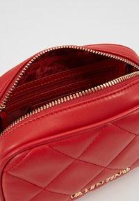 Valentino Bags - OCARINA - Rumpetaske - rosso - 3