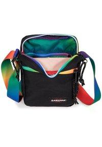 Eastpak - THE ONE - Across body bag - rainbow dark - 4