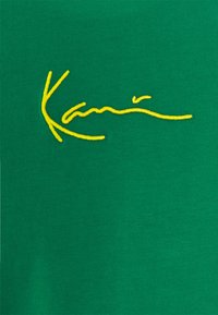 Karl Kani - UNISEX SMALL SIGNATURE TEE - Triko spotiskem - green - 6