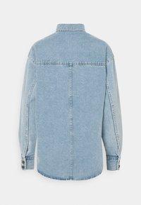 JDY - JDYBAILEY LIFE  - Short coat - light blue denim - 7