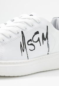 MSGM - SCARPA DONNA WOMAN`S SHOES - Sneaker low - white - 2