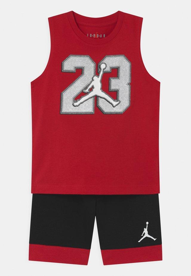 VARSITY PATCHES SET  - Short de sport - black