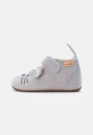 MÄUSCHEN - First shoes - lichtgrau