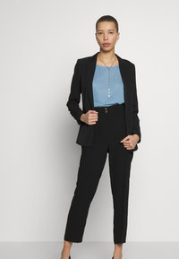 Dorothy Perkins - TAPERED TROUSER - Trousers - black - 1