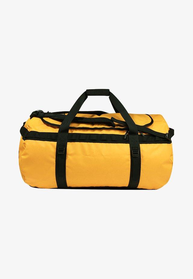 BASE CAMP DUFFEL XL - Sac de voyage - yellow