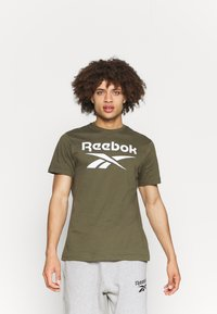 Reebok - RI BIG LOGO TEE - T-shirt imprimé - army green - 0