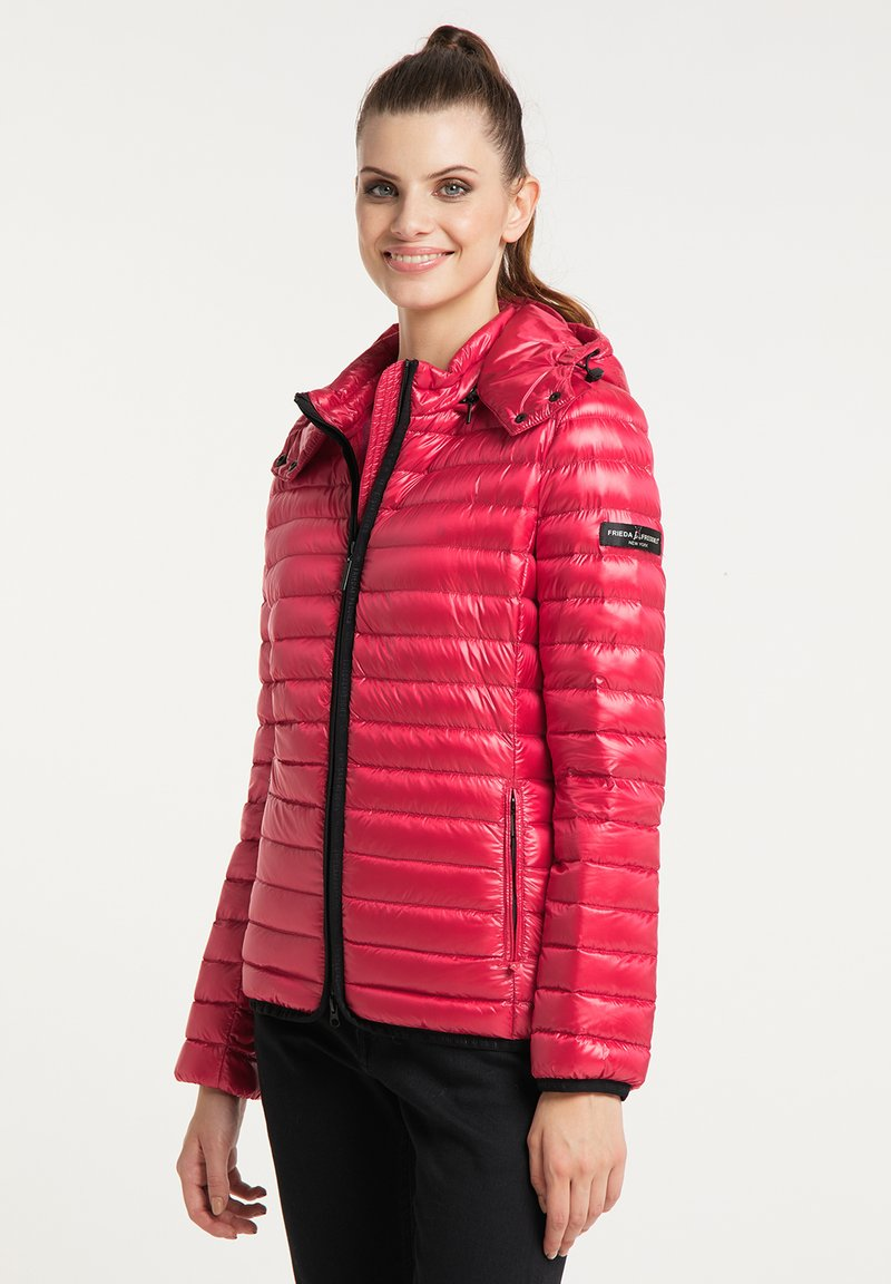 Frieda & Freddies - DAUNENJACKE NELLY II MIT ABNEHMBARER KAPUZE - Down jacket - cherry red