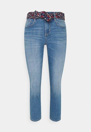 ALEXA CROPPED - Slim fit jeans - used light stone blue denim