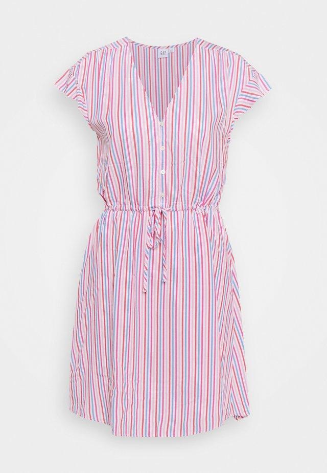 DRESS - Denimové šaty - blue/pink