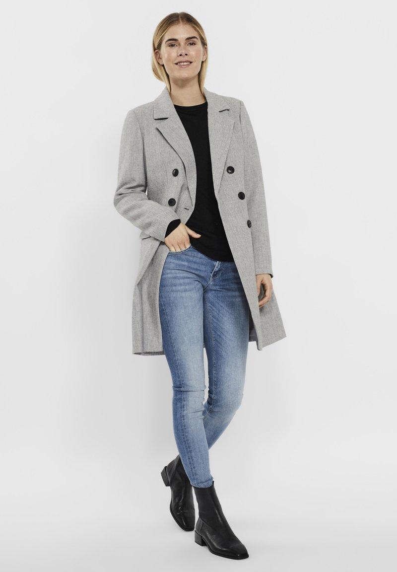 Vero Moda - Manteau court - light grey melange