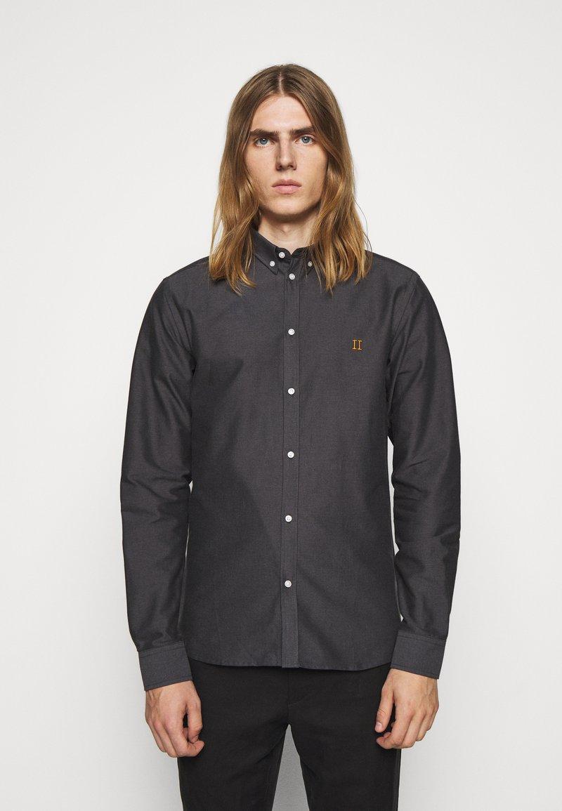 Les Deux - OLIVER OXFORD SHIRT - Shirt - black/charcoal