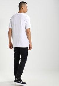 Fila - UNWIND TEE - Basic T-shirt - bright white - 2
