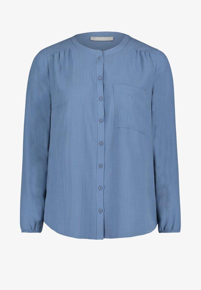 MIT KNOPFLEISTE - Blouse - alaska blue