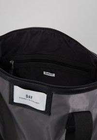 DAY Birger et Mikkelsen - GWENETH SPORT - Sports bag - asphalt - 4