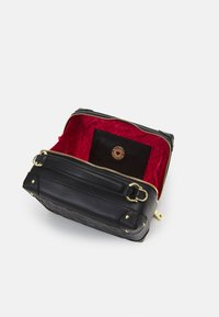 Love Moschino - TOP HANDLE CROSS BODY LUNCH BOX - Across body bag - nero - 4