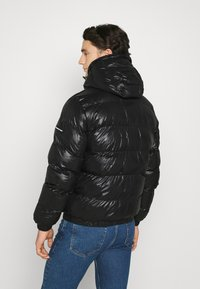 Good For Nothing - HADLOW SHINE PUFFER - Winter jacket - black - 2