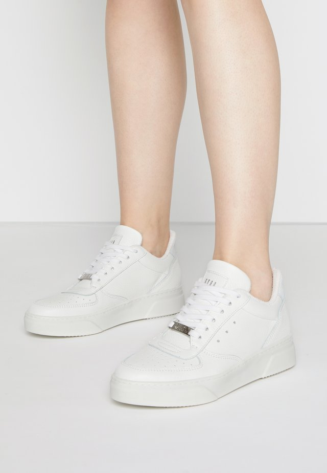 DARMA - Sneakers laag - white