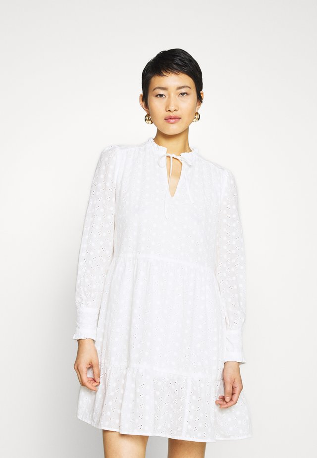 FLOWER A-SHAPE DRESS - Vapaa-ajan mekko - white