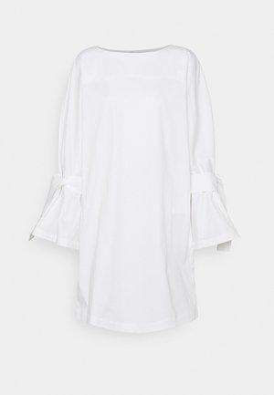 FLAME DRESS - Vapaa-ajan mekko - white