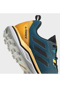 adidas Performance - TERREX AGRAVIC TRAIL RUNNING SHOES - Obuwie do biegania Szlak - turquoise - 8