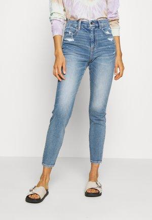 CURVY SUPER DREAM - Jeans Skinny Fit - daylight destroy