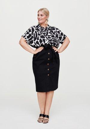 IM RESORT-STYLE - Button-down blouse - schwarz