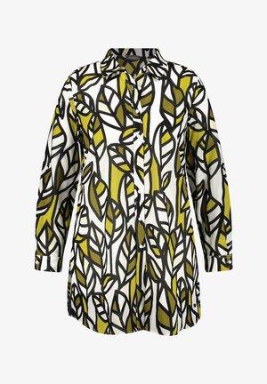 MIT BLÄTTER-PRINT - Button-down blouse - citronella gemustert